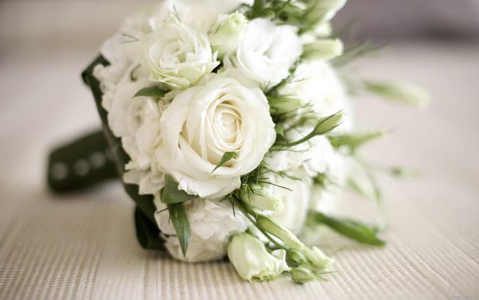 купить букет из белых роз
