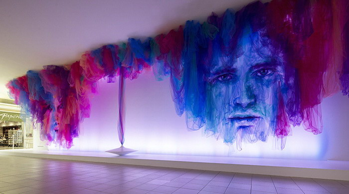 Тканевая инсталляция Benjamin Shine
