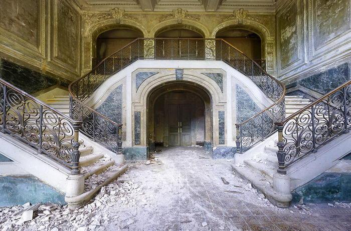 Заброшенные интерьеры Roman Robroek