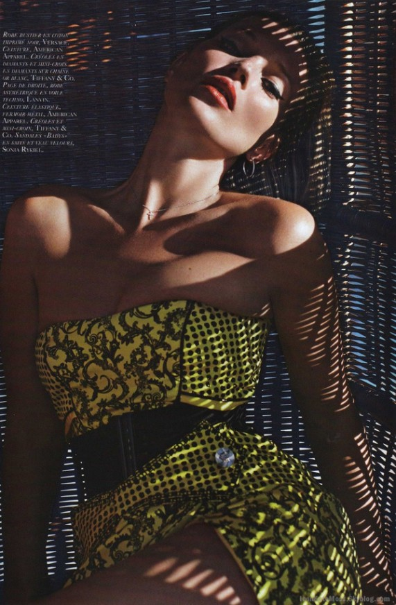 Фото Кейт Мосс для французского Vogue от Марио Сорренти, июнь 2010