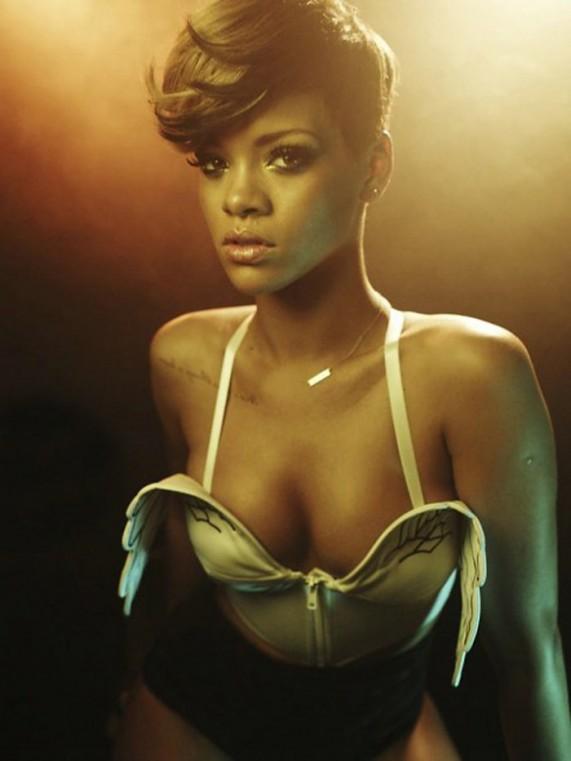 Рианна (Rihanna) на обложке журнала Rolling Stone, 2010