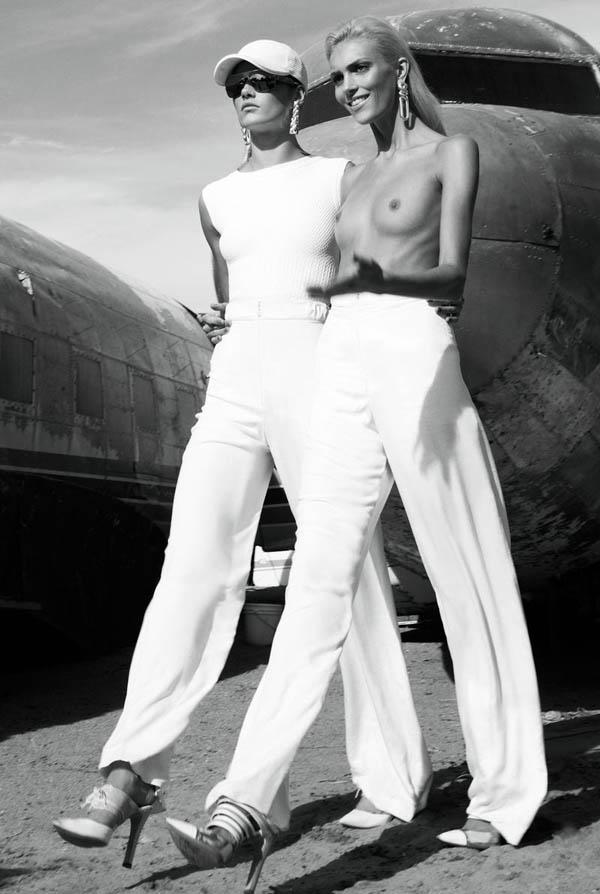 Девушки и самолеты