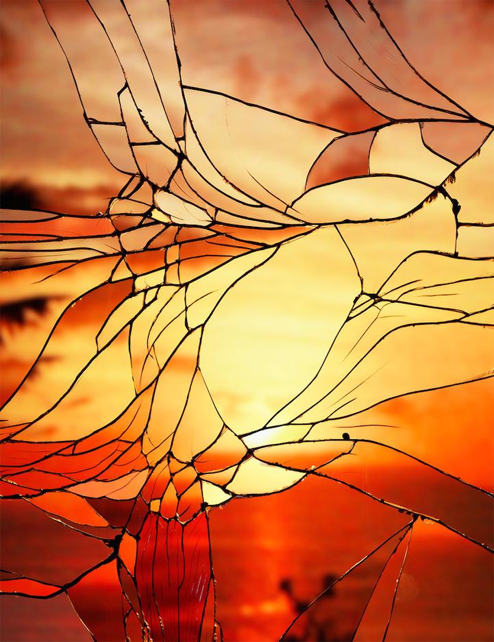 Закаты в сломанных стеклах