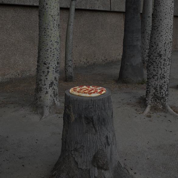 Пицца в необычных местах в фотопроекте Jonpaul Douglass
