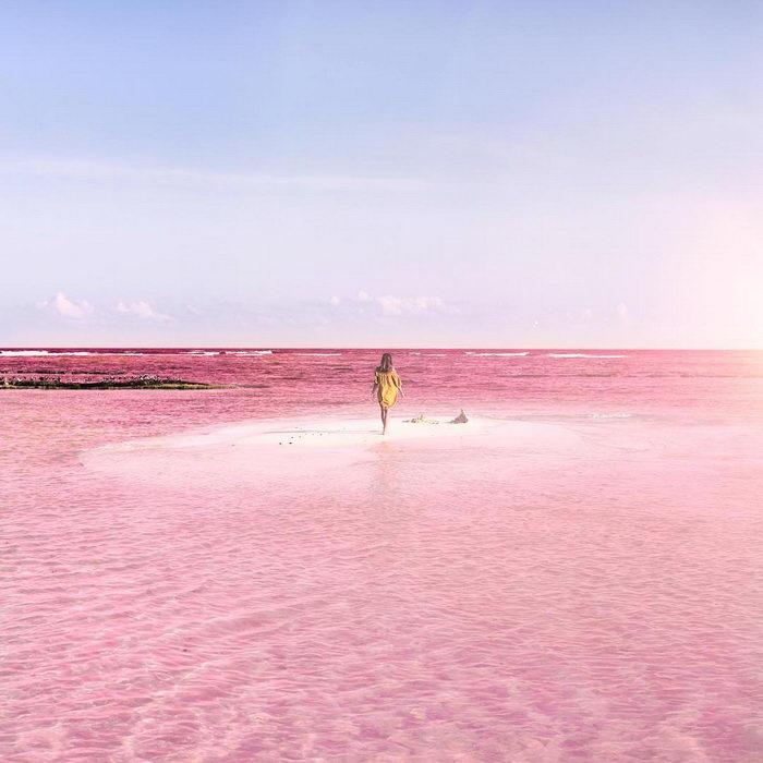 Розовое озеро в Мексике