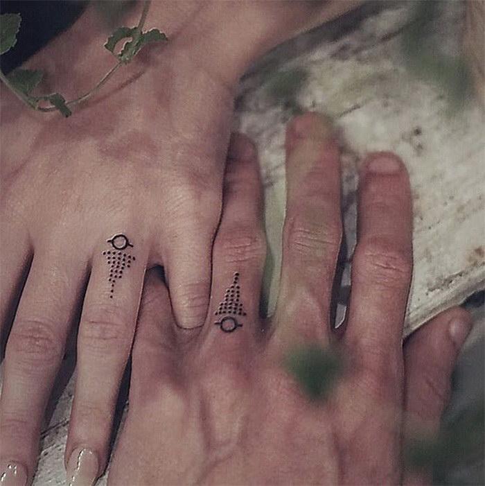 Смелые пары, которые выбрали татуировки вместо обручальных колец