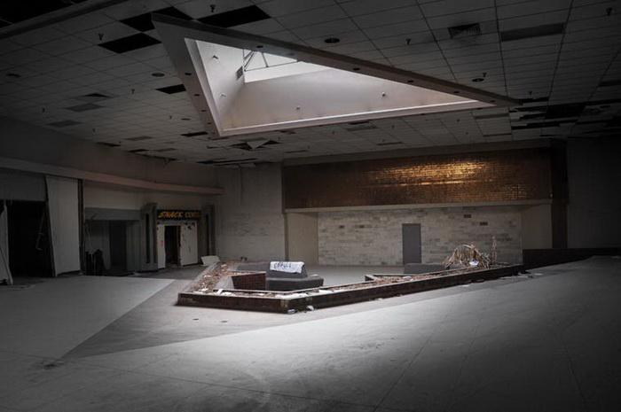 Заброшенные торговые центры США