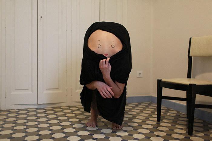 Странные фигуры из человеческих тел авторства AnaHell