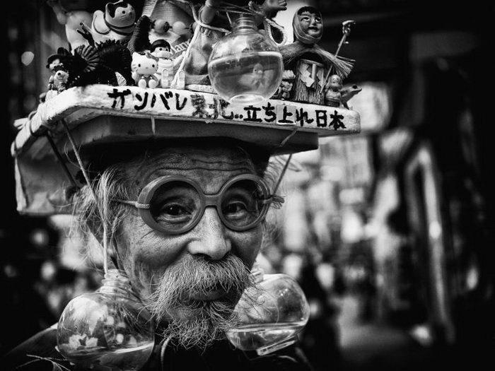 Люди Токио в фотографиях Tatsuo Suzuki