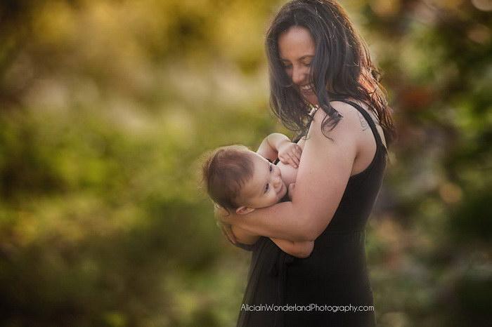 Кормящие женщины в фотографиях Alicia Fraser Stanley