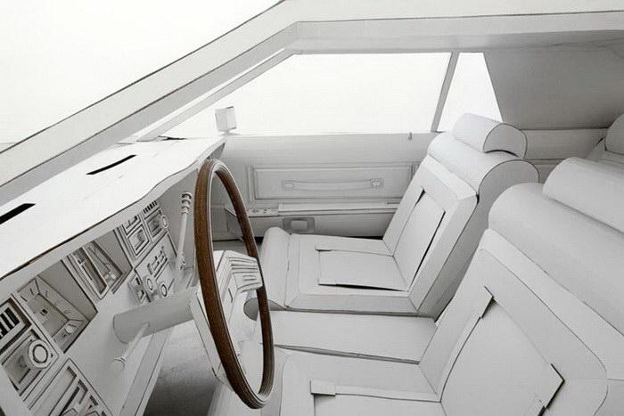 Картонный Lincoln Continental авторства Shannon Goff