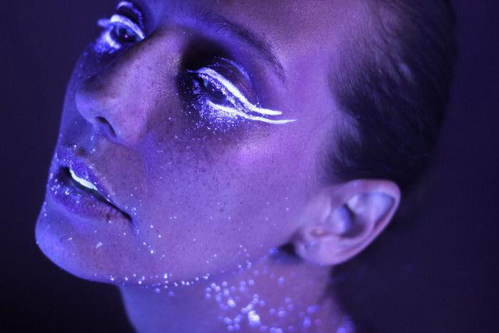 Красота неонового макияжа в работах Hid Saib