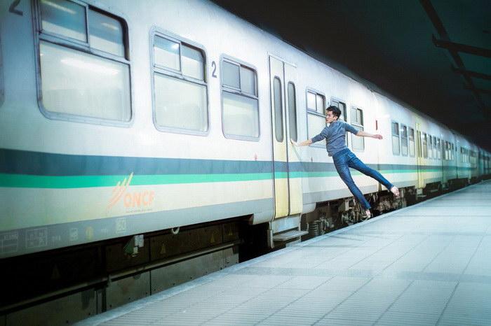 Танцор парит над землей: автопортреты Mickael Jou