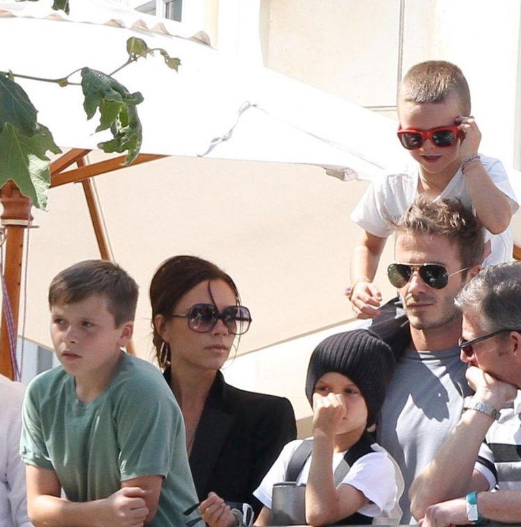 Фотографии детей знаменитостей – май 2010