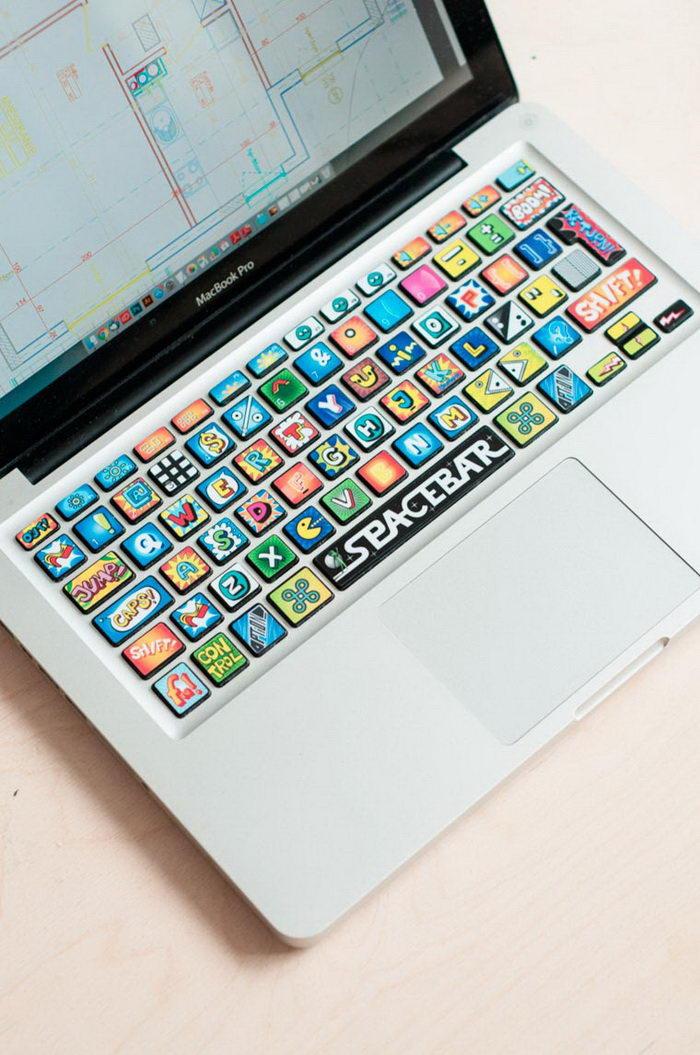 Креативные стикеры для декорирования ноутбука