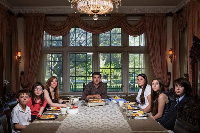 Как проходит ужин у жителей США: фото Lois Bielefeld