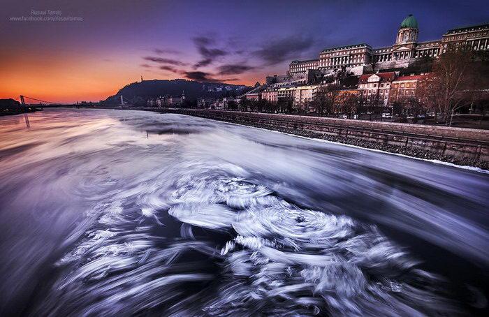 Замерзший Дунай в фотографиях Tamás Rizsavi