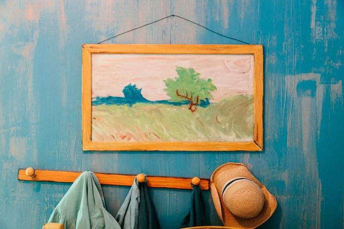 Теперь можно арендовать спальню Ван Гога со знаменитой картины