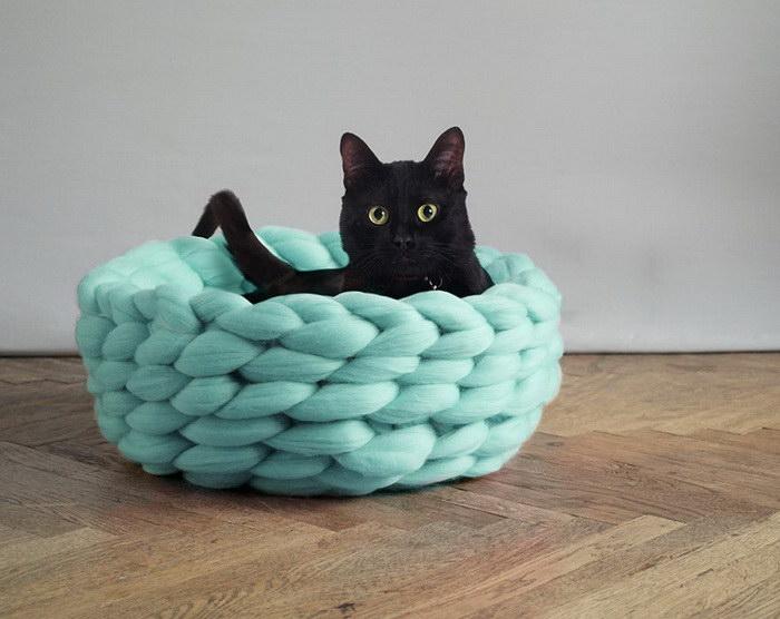 Необычные кроватки для питомцев Anna Mo