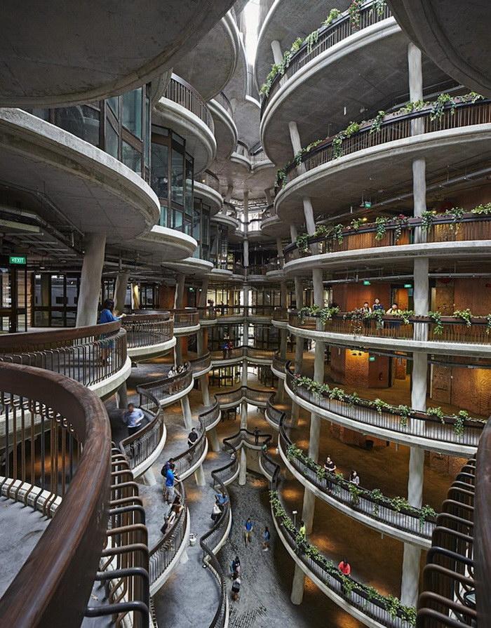 Здание в Сингапуре, не имеющее углов