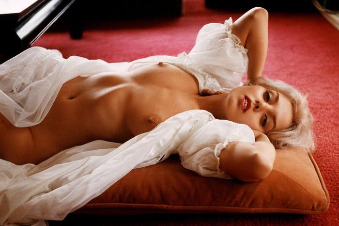 eroticheskie-snimki-devushek