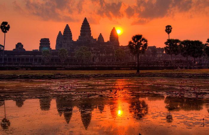 Храмовый комплекс Ангкор-Ват: вечная битва природы с человеческим гением