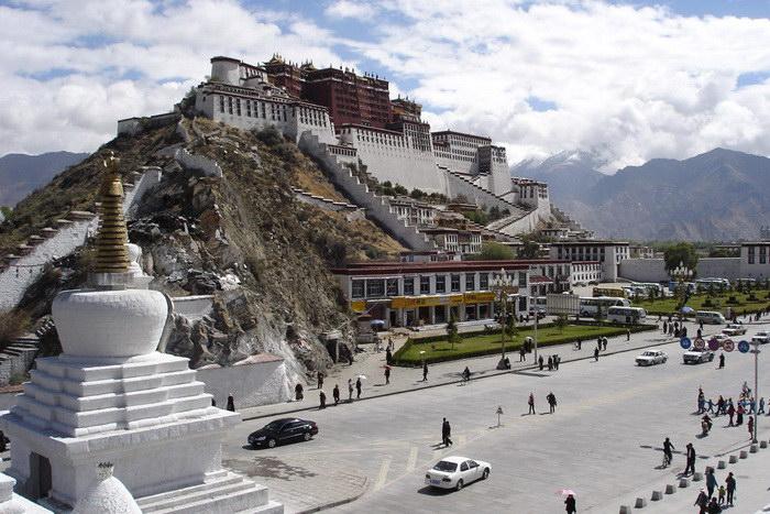 Дворец Потала в Непале: музей, монастырь или замок?
