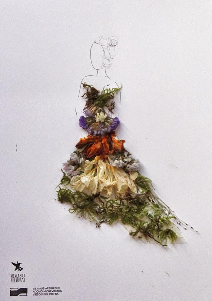 Цветочные модницы, созданные посетителями библиотеки