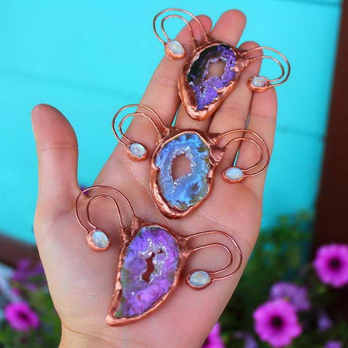 The Crystal Uterus: украшения, символизирующие плодовитость