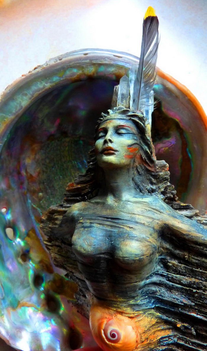 Духовные скульптуры Debra Bernier