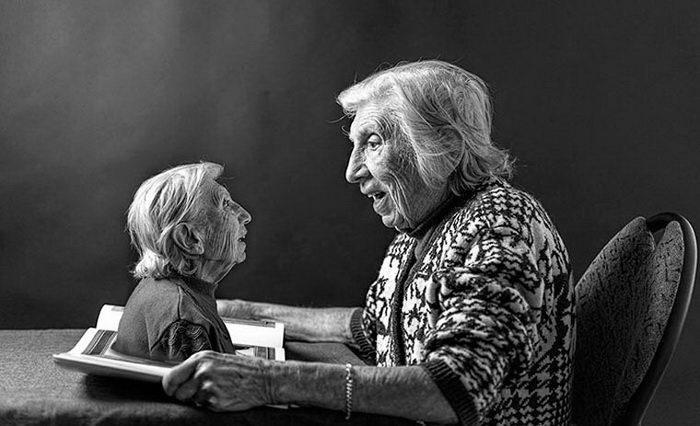 91-летняя бабушка в серии сюрреалистических снимков