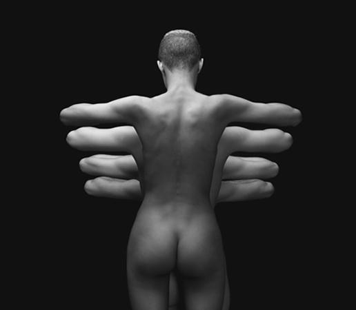 Обнаженные модели в руках француза Olivier Valsecchi