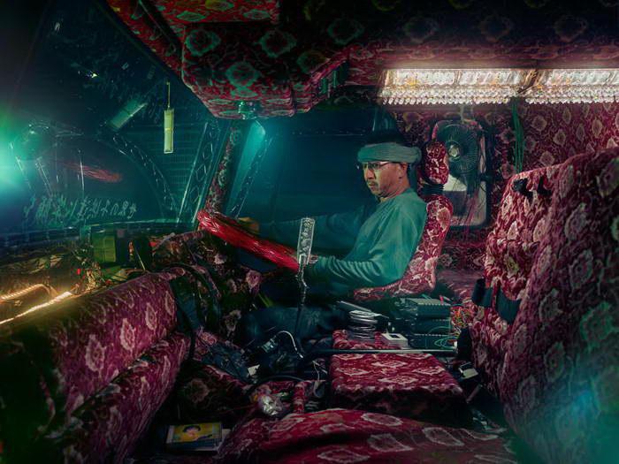 Искусство оформления японских грузовиков в фото Todd Antony
