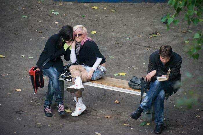 10 лет из жизни одной скамейки: фотографии Евгения Котенко