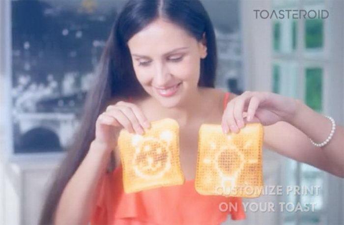 Тосты с любыми вашими надписями: тостер Toasteroid