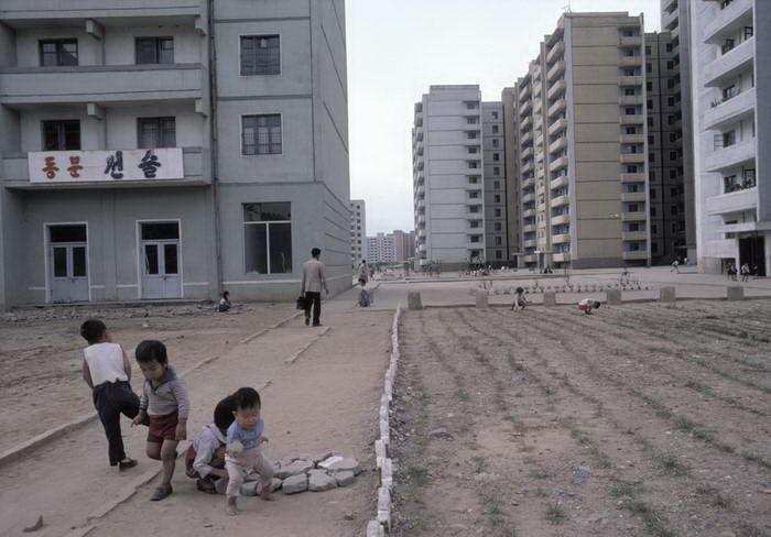 Северная Корея 1980-х годов в фотографиях Hiroji Kubota