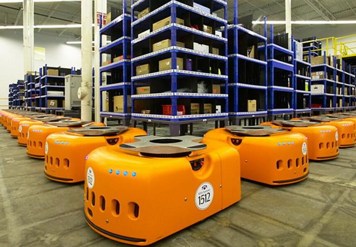 15 тысяч роботов работает в интернет-магазине Amazon