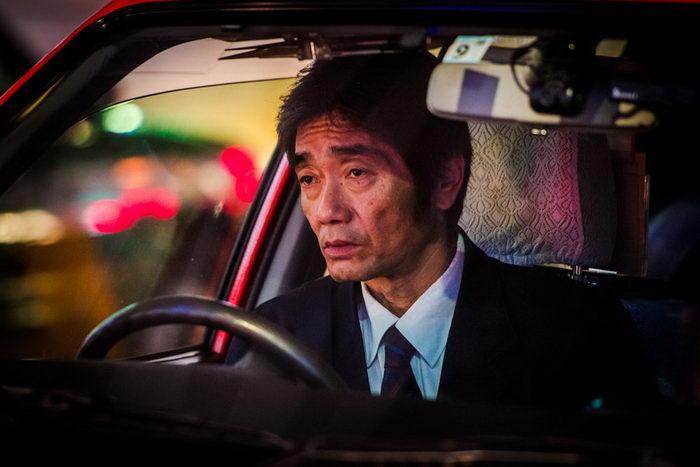 Таксисты Токио в фотографиях Олега Толстого
