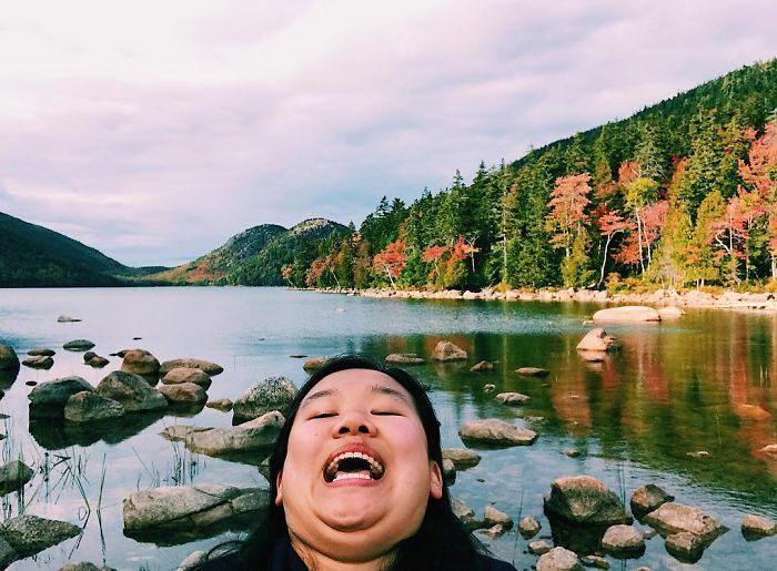 Несовершенные селфи в разных точках мира Michelle Liu