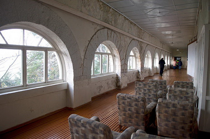 Интерьеры сталинской дачи в Абхазии