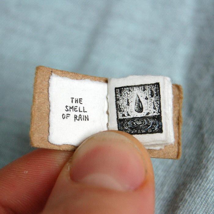 Миниатюрная книга рассказывает о простых радостях жизни