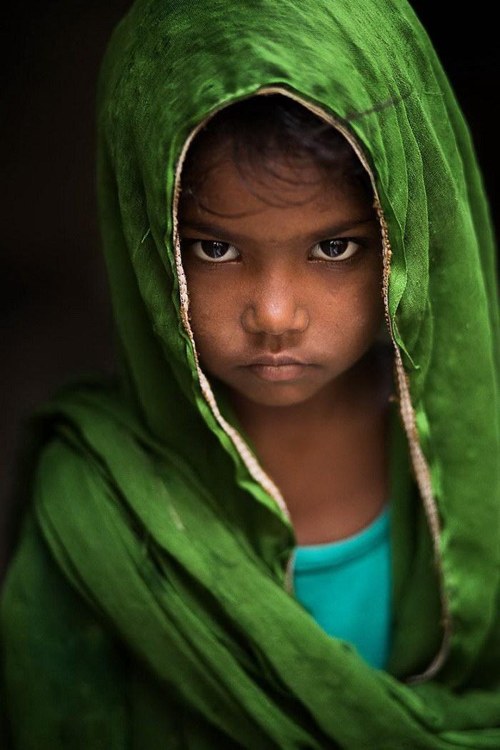 Глаза людей в фотографиях R?hahn