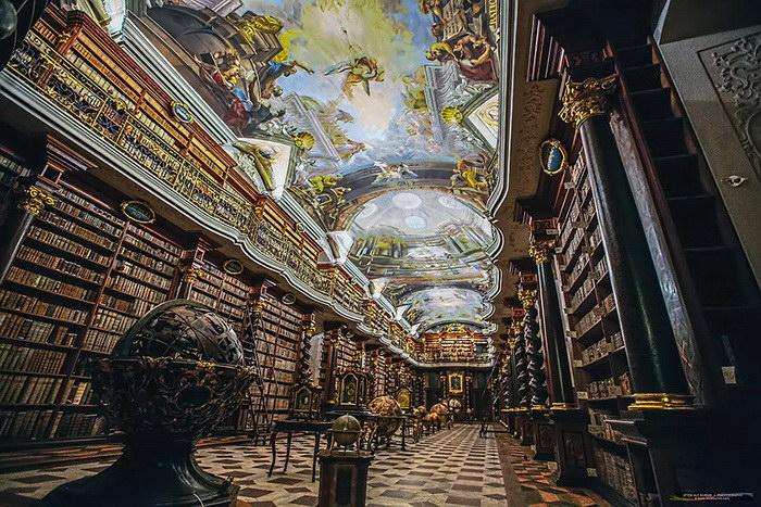 Клементинум: самая роскошная библиотека в мире