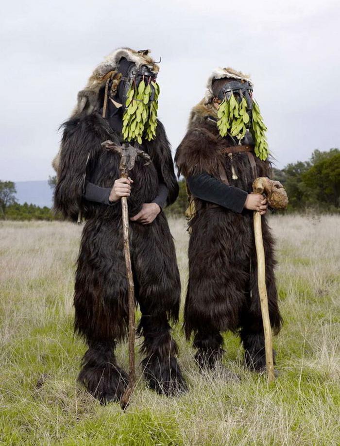 Языческие костюмы и обряды Европы