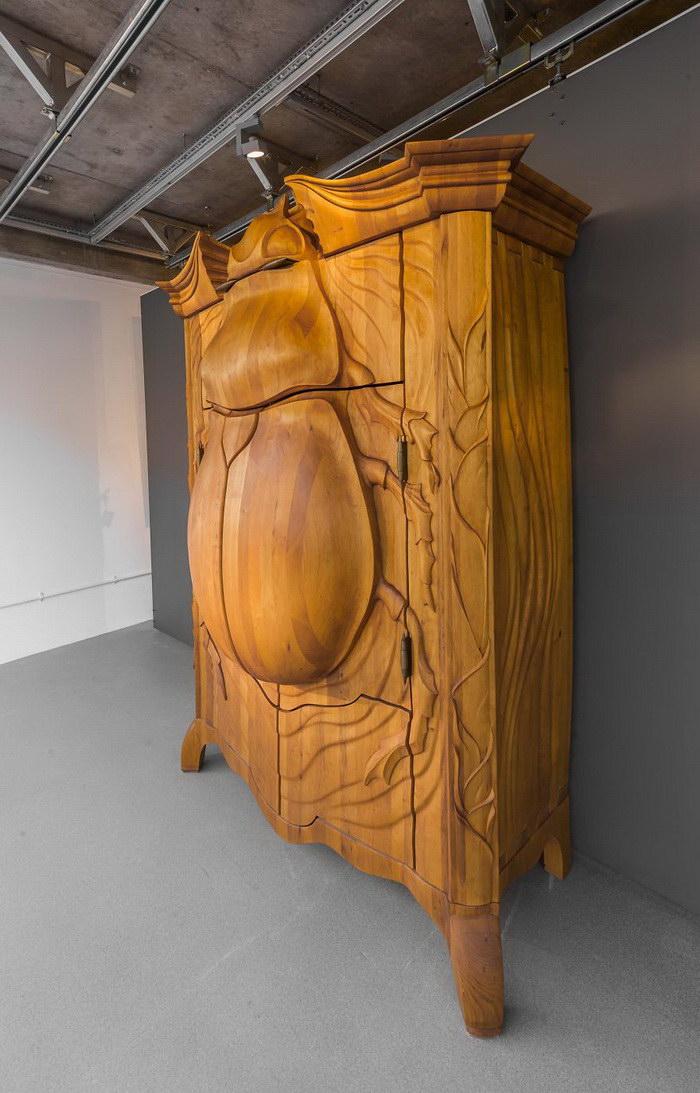 Шкаф в форме жука Janis Straupe