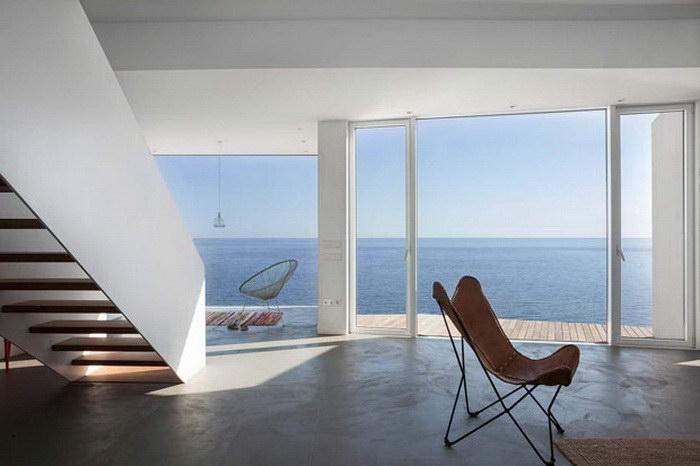 Роскошный дом у моря