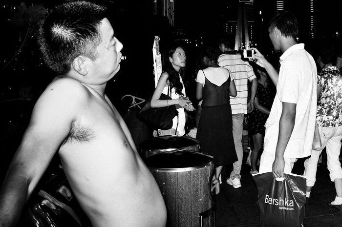 Суетной Шанхай в снимках Liu Tao
