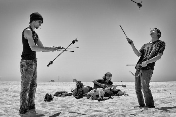 Пляж Venice Beach в снимках Dotan Saguy