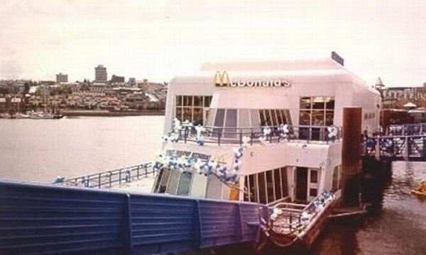 Макдональдс «на плаву»