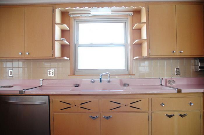 Нетронутая кухня сохранилась с 1956 года